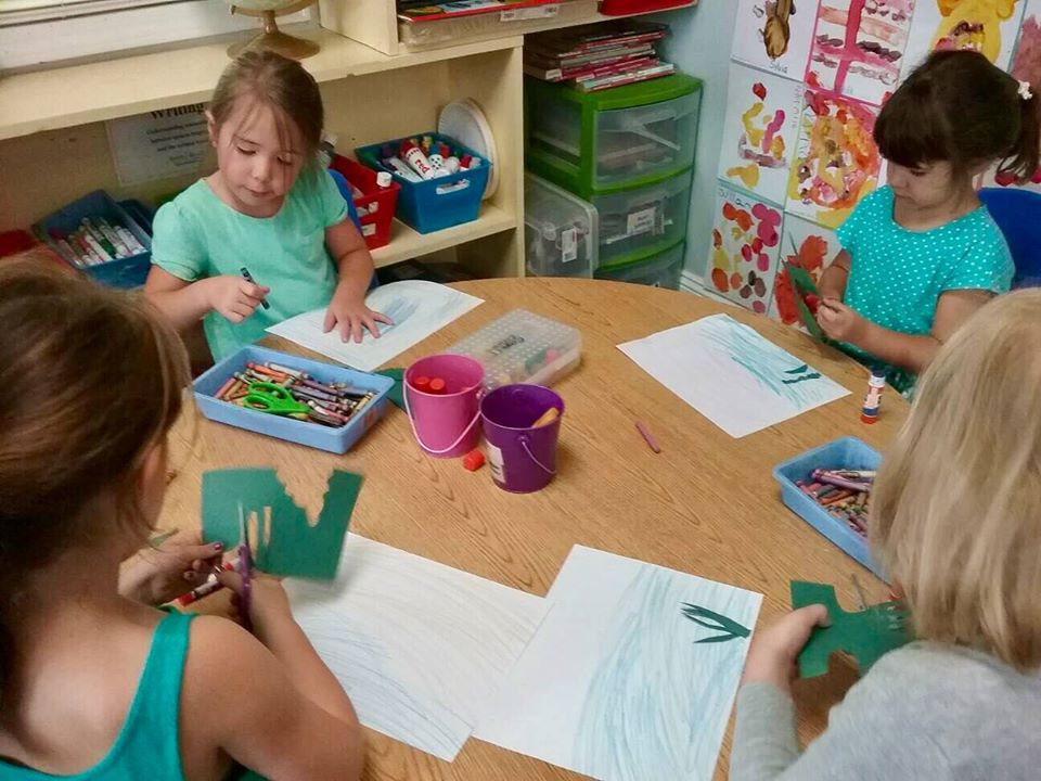 children doing art at a Preschool & Daycare Serving Carmel, Indiana