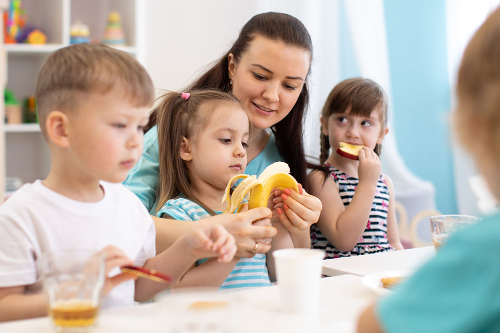 children eating at a Preschool & Daycare Serving Carmel, Indiana