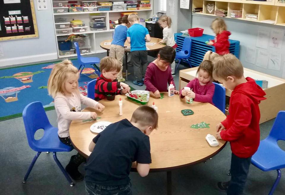 children working in class at a Preschool & Daycare Serving Carmel, Indiana